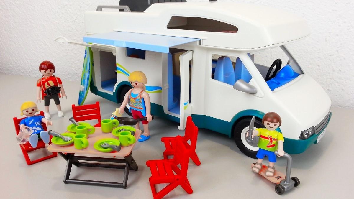 Playmobil 6671 autocaravana de verano y m s brico reyes for Autocaravana playmobil